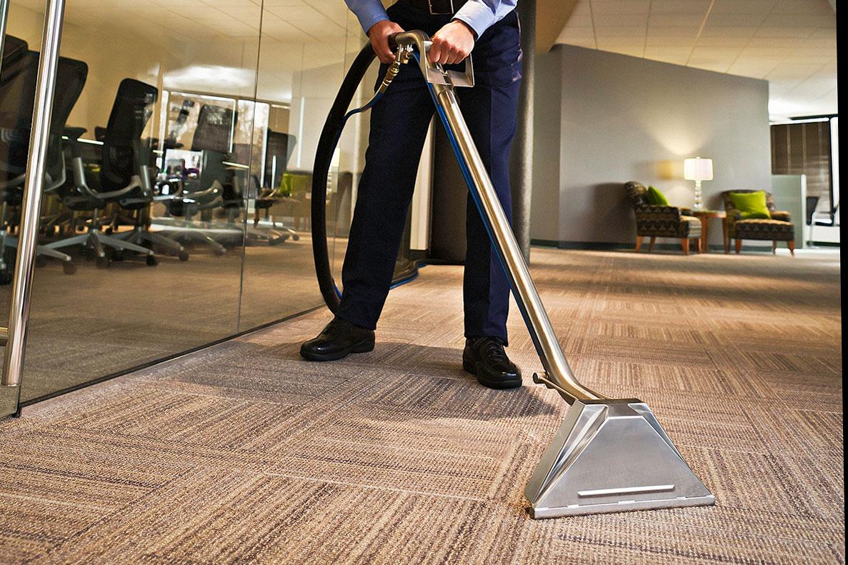 Cách vệ sinh làm sạch thảm trải sàn nhà và văn phòng đơn giản