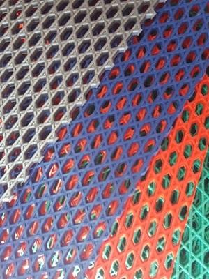 Thảm nhựa lưới ô vuông