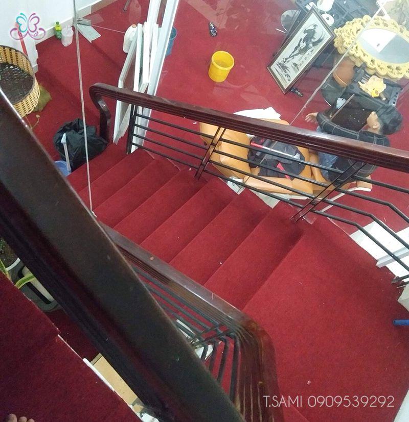 Thi công thảm trải sàn cầu thang