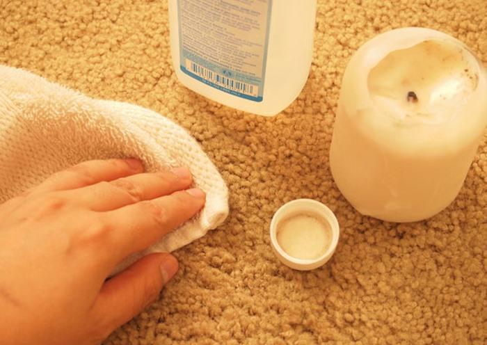 Hướng dẫn cách làm sạch vết bẩn đồ uống trên thảm dễ dàng phần 2