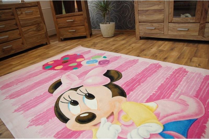 Mẫu thảm trải sàn Disney ngỗ nghĩnh cho bé yêu