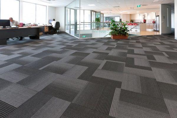 Chọn màu thảm trải sàn cho không gian rộng lớn