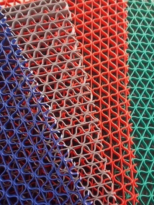 Những ưu điểm và nhược điểm của thảm trải sàn ô tô 4D